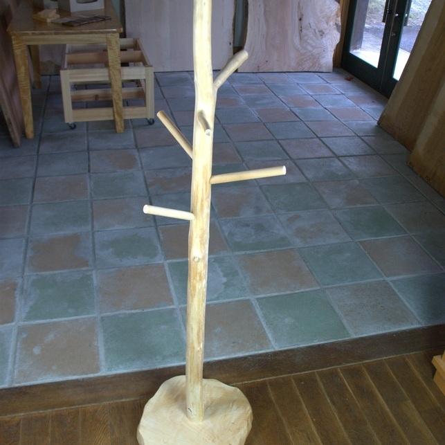 木のままポールハンガー